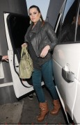Khloe Kardashian - Butt Show in Tight Jeans! - Shopping with Lamar & Rob - 12.01.11 - HQ x 24