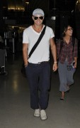 Kellan Lutz at LAX airport A34e9b93910401